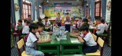 Lớp 5B tổ chức ngoại khóa về đọc sách